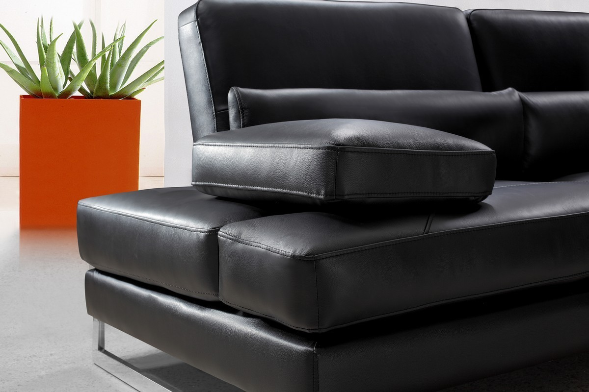 Tango modern leather sectional sofa ge leather for Sectional sofa star furniture