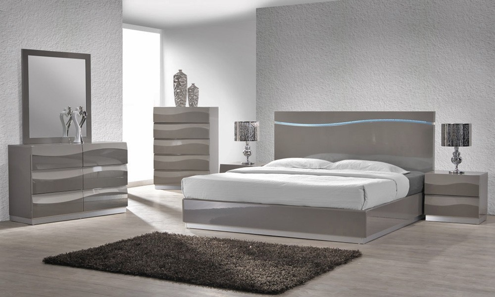 Lion Modern Grey Lacquered Platform Bedroom Set Star
