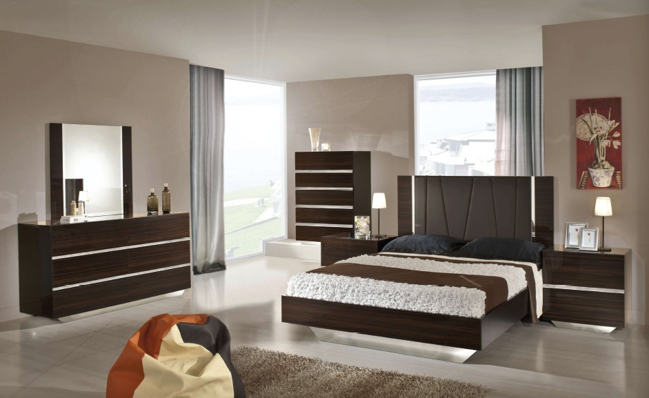 Modrest Luxor Italian Modern Ebony Lacquer Bedroom Set