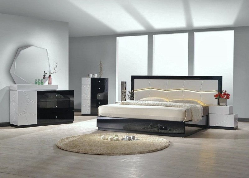 Eva Modern Lacquered White And Black Bedroom Set